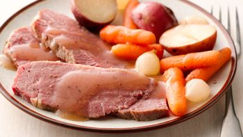 Slow-Cooker Old-World Corned Beef and Vegetables