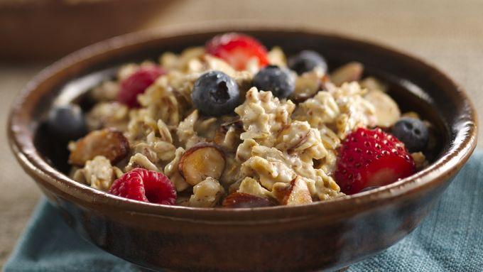 Triple-Berry Oatmeal Muesli