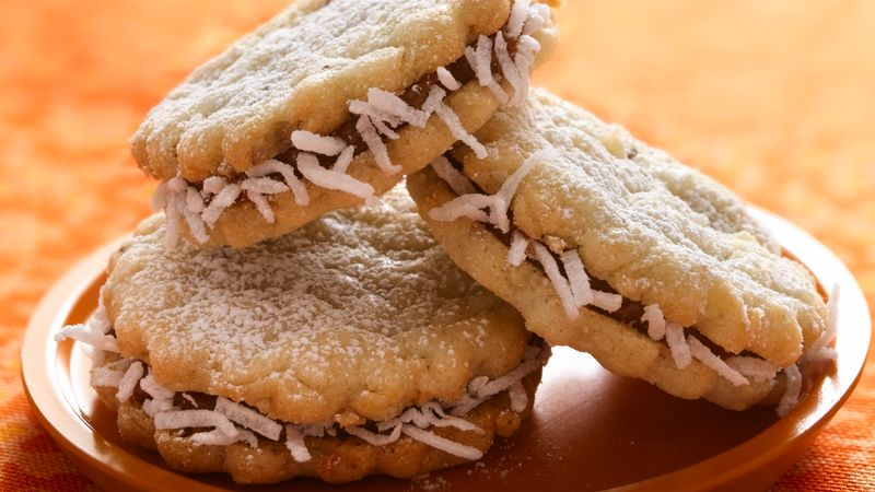 Alfajores (Dulce de Leche Sandwich Crème Cookies) recipe from Betty ...