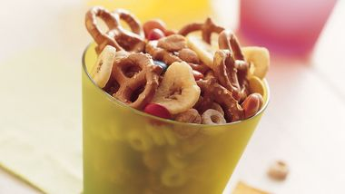 Sweet and Crunchy Snack Mix