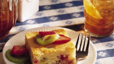 Kiwi and Strawberry Shortcake Squares