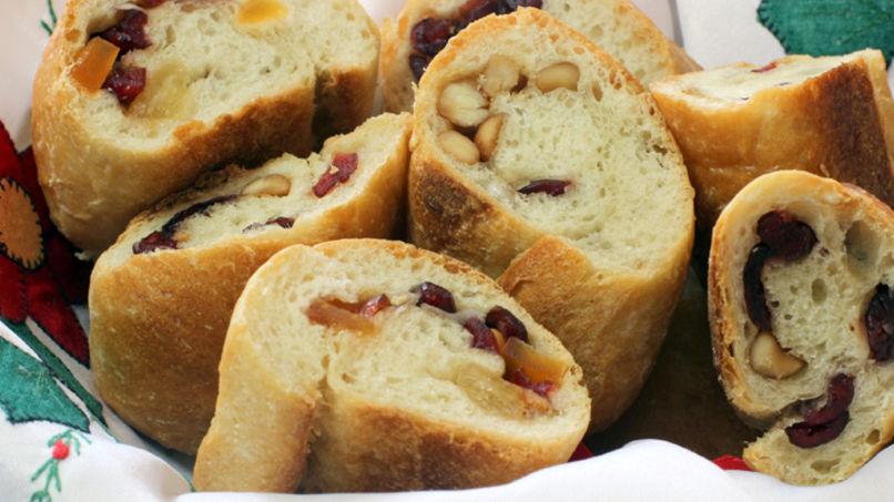 Pan Relleno de Frutas Secas y Nueces