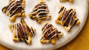 Caramel-Pecan Pretzels