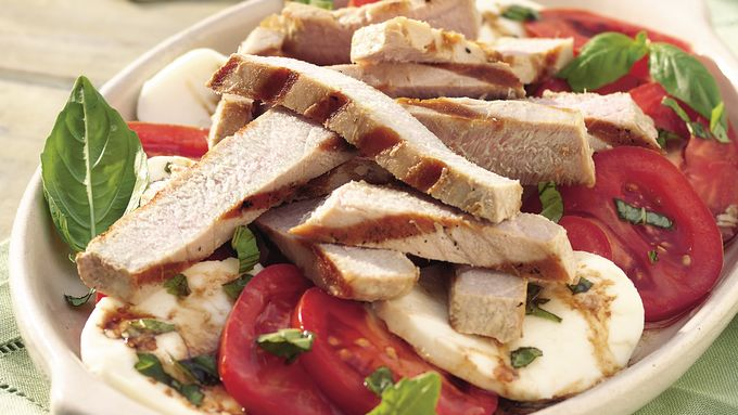 Grilled Tuna, Tomato and Mozzarella Salad