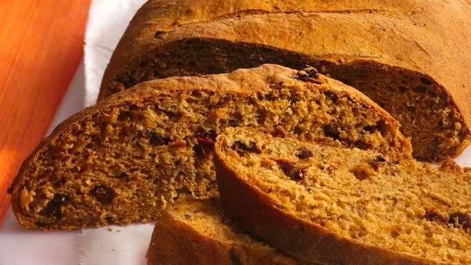 Tomato-Peppercorn-Cheese Bread
