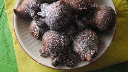 Easy Chocolate Donut Holes