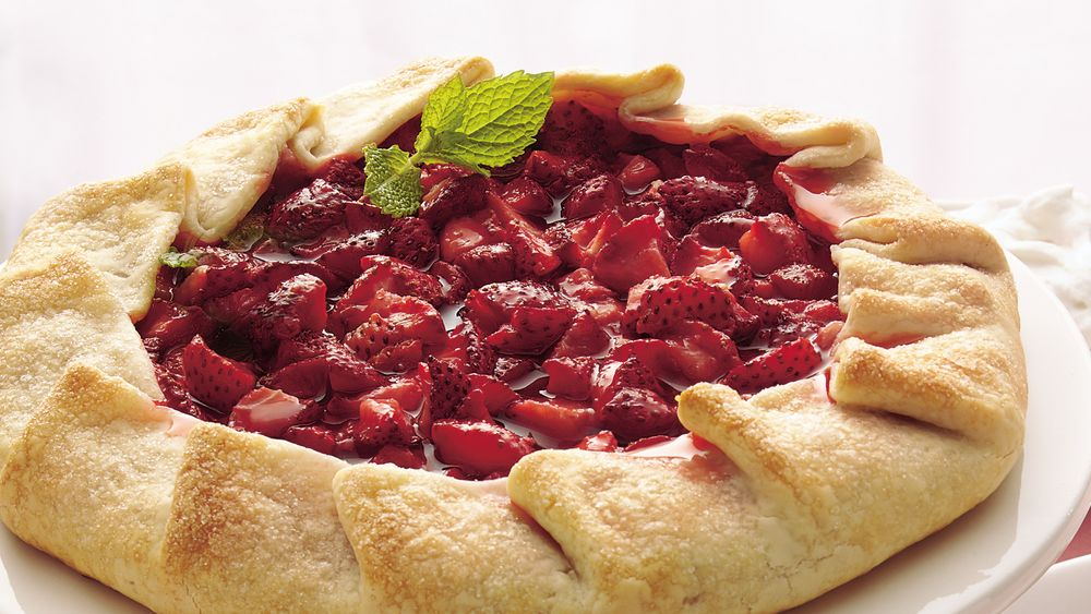 Rustic Strawberry Tart with Strawberry Cream
