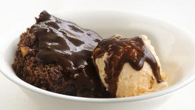 Skinny Chocolate-Almond Pudding Cake