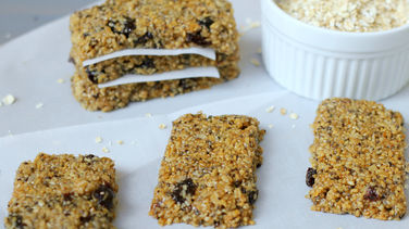 Quinoa, Oatmeal and Raisin Bars