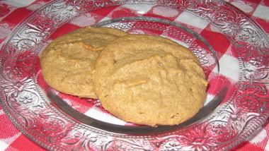 Gluten-Free Three Ingredient Peanut Butter Cookies