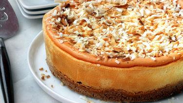 Cheesecake de Coquito Puertorriqueño