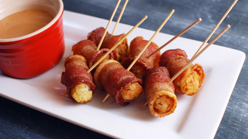 Bacon-Wrapped Tater Tots with Creamy Chipotle Dip
