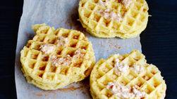 Waffles Jack-O'-Lantern con Relleno de Queso Dulce