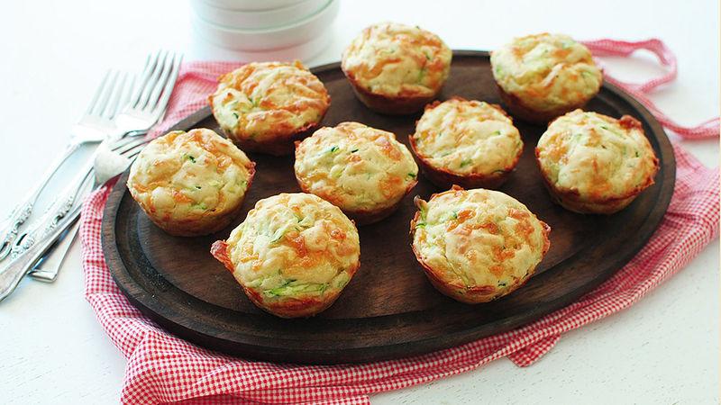Cheesy Garlic Zucchini Muffins