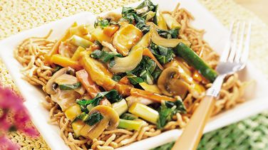 Chicken-Vegetable Chow Mein