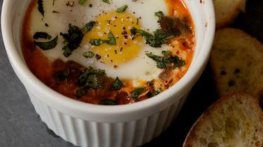 Huevos Asados con Chorizo y Chiles Poblanos
