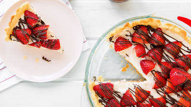White Chocolate Pie with Strawberries