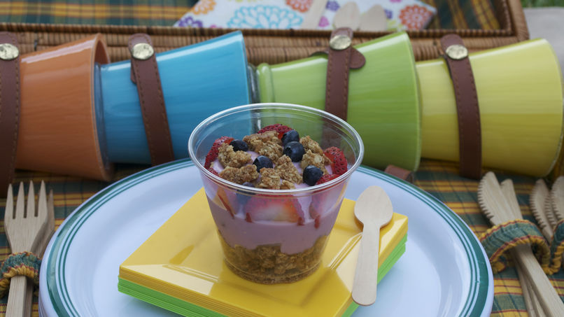 Yogurt Parfait with Granola Bars