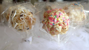 Sugar Cookie-Popcorn Pops