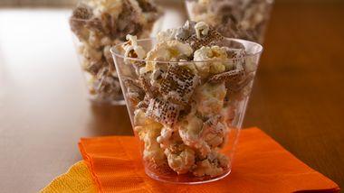 3-Ingredient Crunchy Snack Mix