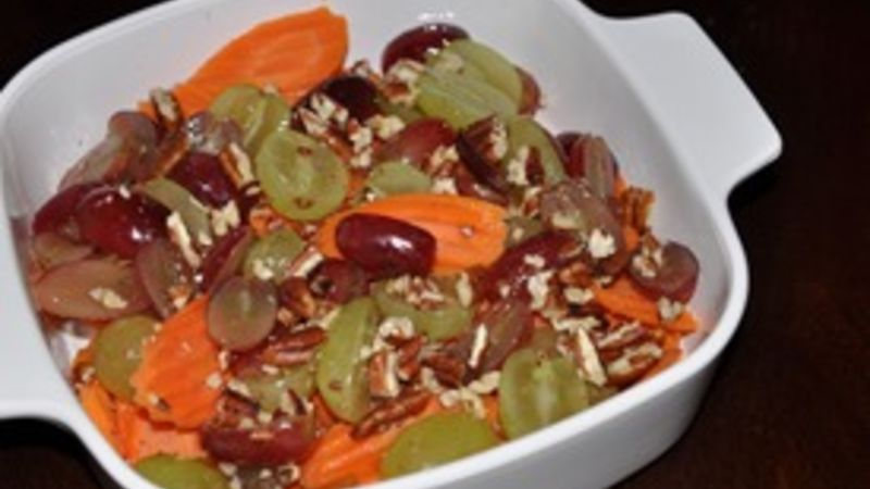 Savory Carrots and Grapes