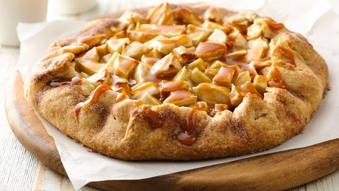 Apple Crostata with Caramel Sauce