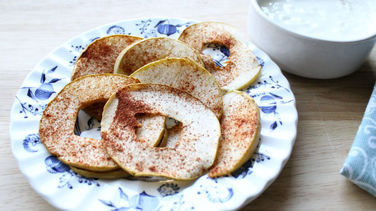 Apple Chips with Whey Cheese