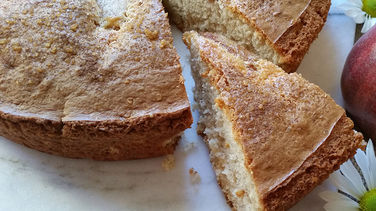 Cinnamon Cake with Pear