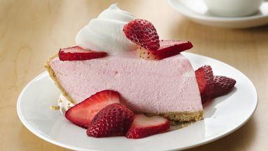 No-Bake Creamy Strawberry Pie