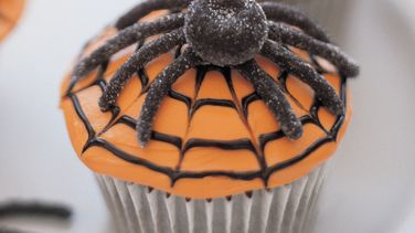 Scary Spiderweb Cupcakes