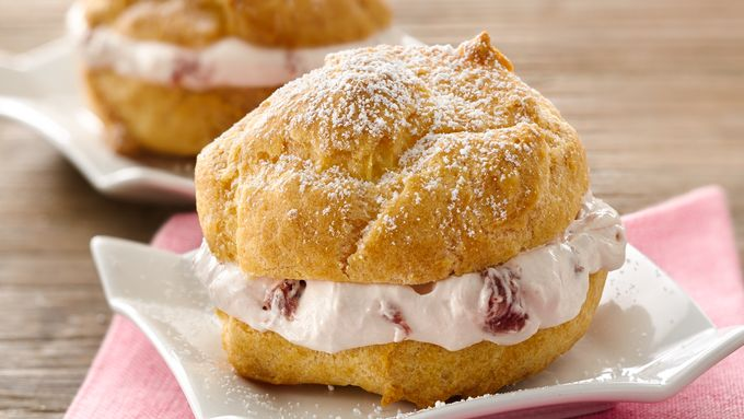 Strawberry Cream Cheese Cream Puffs
