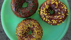 Easy Baked Chocolate Glazed Doughnuts