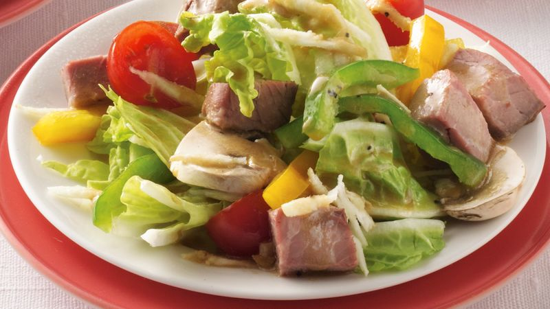 Peppered Roast Beef Salad