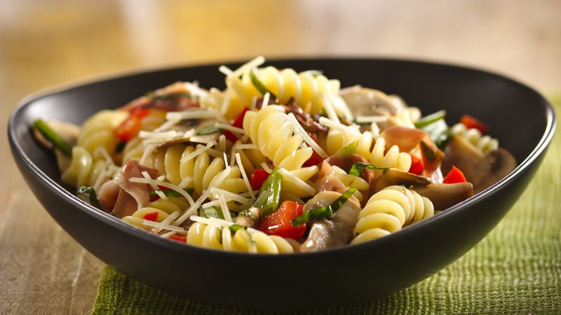 Pasta with Prosciutto and Asiago Cheese