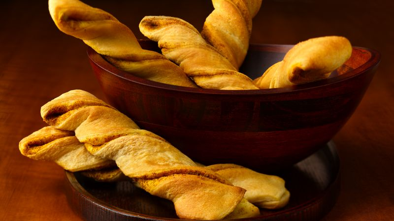 Spicy Curry Crescent Twists