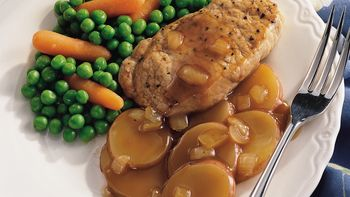 Baked Pork Chops with Potatoes and Gravy
