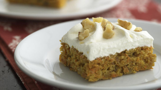Skinny Spiced Carrot Cheesecake Bars