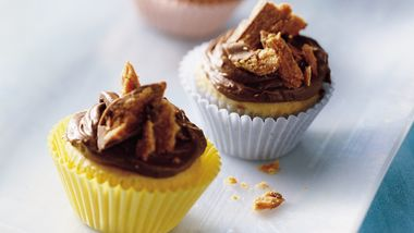 Mini Butterfinger™ Cupcakes