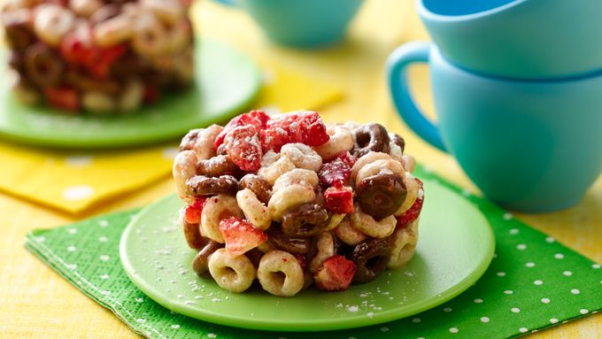 "Cheerios® Breakfast Rounds ""Tea Cakes"""