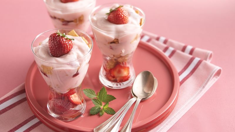 Crunchy Yogurt Sundaes