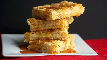 Eggnog Cheesecake Cookie Bars