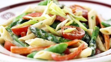 Pasta Primavera con Tomate y Albahaca
