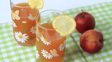 Warm Apple Cider Infused with Honey and Lemon