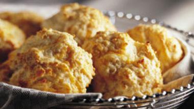 Cheese-Garlic Biscuits (lighter recipe)