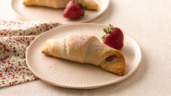 Caramel-Cinnamon-Strawberry Crescents