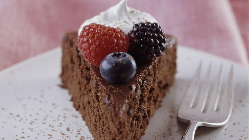 Skinny Bittersweet Chocolate Cake with Berries