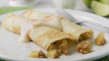 Apple Crisp Crepes