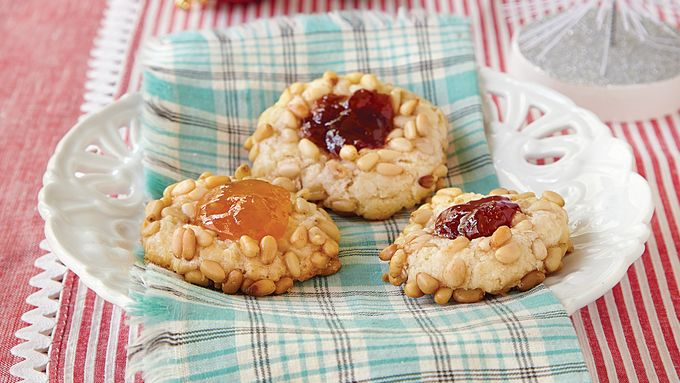 Jam-Filled Pine Nut Cookies