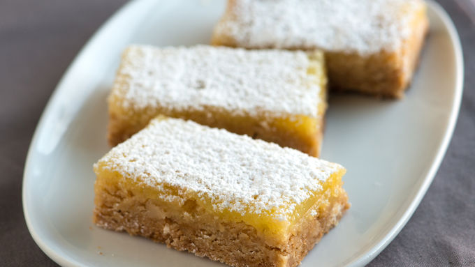 Lemon, White Chocolate and Macadamia Nut Cookie Bars