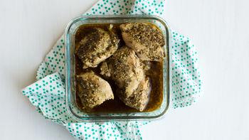 Slow-Cooker Pesto Chicken Thighs